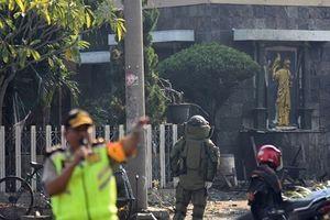 Đánh bom tự sát ở ba nhà thờ Indonesia, ít nhất 9 người chết
