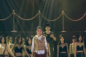 700 khán giả bùng nổ cùng đêm nhạc kịch của học sinh trường THPT chuyên Hà Nội - Amsterdam