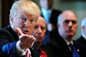 Rắc rối pháp lý bủa vây Tổng thống Mỹ