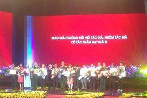 Trao giải thưởng sáng tác với chủ đề Học tập và làm theo tư tưởng, đạo đức, phong cách Hồ Chí Minh