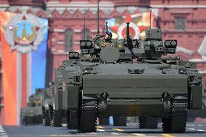 Cận cảnh dàn vũ khí hoành tráng trong lễ diễu binh của Nga