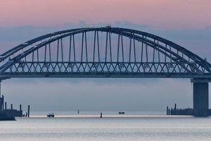 Tổng thống Nga khánh thành cầu nối Crimea với Nga