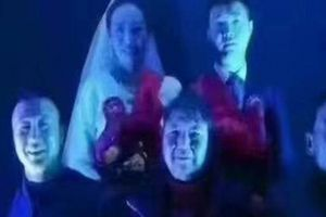 Nhiếp ảnh chụp ảnh cưới y hệt đám ma gây xôn xao dư luận