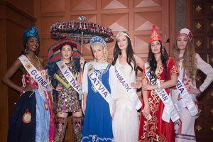 Diệu Linh khoe trang phục truyền thống trước thềm chung kết Nữ hoàng Du lịch Quốc tế
