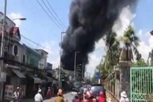 Xưởng gia công thùng xốp phát hỏa trên đường Hà Huy Giáp