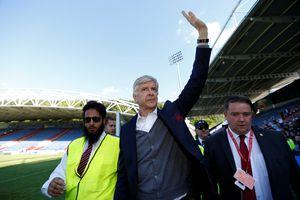 HLV Wenger sẽ rời nước Anh vì không muốn phản bội Arsenal