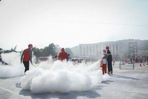 Trại hè quân đội 'hot' nhất kỹ năng Phòng cháy chữa cháy cho trẻ nhỏ