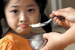 Bí kíp 'vàng' chăm trẻ 4 tuổi biếng ăn