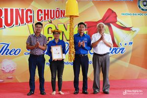 Nữ sinh trường Phan giành giải Nhất thi Rung chuông vàng 'Theo dấu chân Người'