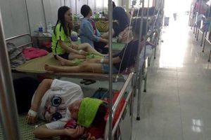 75 sinh viên nhập viện sau bữa ăn liên hoan chia tay cuối khóa