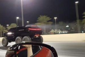 'Quái thú' 6 bánh cho Mercedes AMG GT S ngửi khói