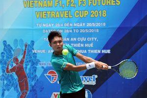 Các tay vợt Việt Nam bị loại sạch trên sân nhà