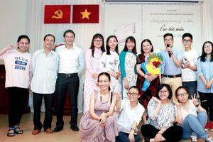 Trần Lê Khánh 'truyền lửa' tình yêu thơ lục bát đến giới trẻ