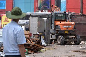 Cận cảnh việc tháo dỡ tại dự án Cống hóa mương Nguyễn Khánh Toàn