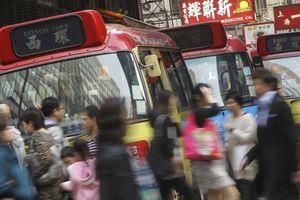 Từ phục vụ bàn thành 'vua xe bus' kiêm trùm địa ốc Hồng Kông