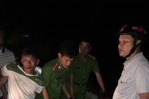 Hà Tĩnh: Bắt 4 thanh niên cầm kiếm chặn xe tải 'xin đểu' trên quốc lộ 1A