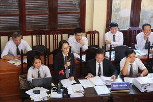 Ngày thứ 4 xét xử sơ thẩm tai biến chạy thận tại Hòa Bình: Đối chất 'nảy lửa' trong lời khai