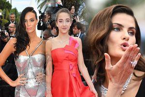Dàn khách mời tung 'tuyệt chiêu' khiến nhiều người choáng váng tại Cannes ngày 11