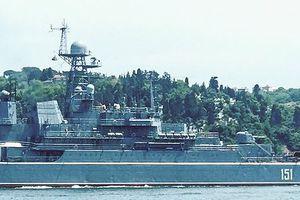 Tàu đổ bộ của hải quân Nga chất đầy vũ khí đang trên đường tới Syria?