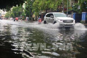 Thành phố Hồ Chí Minh: Mưa lớn gây ngập nhiều nơi 