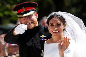 Lễ cưới Hoàng tử Anh không được 'hoàng gia' cho lắm vì có nhiều yếu tố Mỹ?
