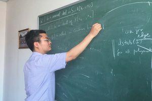 Từ học sinh trường làng đến giáo sư trẻ nhất VN