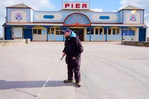 Người đàn ông mù đi du lịch đến hơn 125 quốc gia