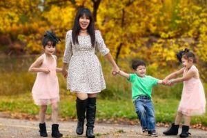 Mẹ 3 con chia sẻ kinh nghiệm dạy con làm việc nhà từ khi 2 tuổi