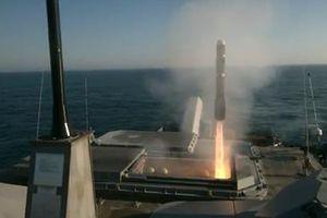 Xem hải quân Mỹ khai hỏa 'lửa địa ngục' Longbow Hellfire trên biển