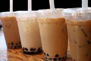 Uống trà sữa liên hoan cuối năm học, 40 học sinh nhập viện