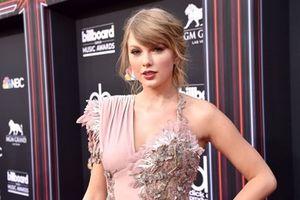 Taylor Swift bất ngờ có mặt tại BBMAs 2018 xem 'đối thủ' BTS diễn