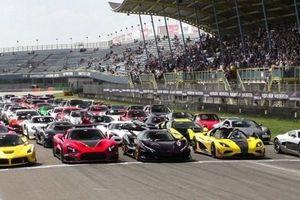Dàn hypercar 50 triệu USD gần trăm chiếc náo loạn trường đua tại Hà Lan