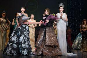 Nữ Hoàng Trần Huyền Nhung lộng lẫy tại đêm chung kết hoa hậu nam vương doanh nhân người Việt thế giới