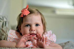 Bé gái 7 tháng tuổi được cứu sống nhờ phát hiện điểm bất thường trong bức ảnh
