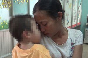 Clip: Người mẹ ẵm con ăn xin chơi ma túy được nhận lại con