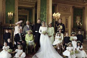 Hoàng tử Harry và Meghan Markle công bố ảnh cưới tuyệt đẹp
