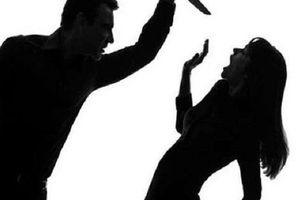 Mâu thuẫn ghen tuông, chồng cầm dao đâm vợ tử vong
