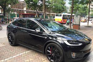 Hình ảnh chi tiết SUV điện Tesla Model X P100d của thiếu gia Hà Nội