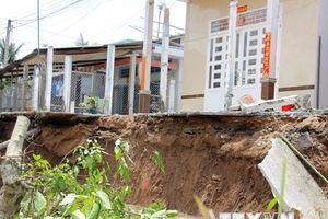 Sạt lở nghiêm trọng nhấn chìm nhiều ngôi nhà ở ĐBSCL