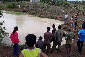 Đi bắt cá trong giờ ra chơi, 2 học sinh đuối nước tử vong