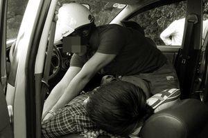 Gần chục thanh niên đánh chủ tiệm cầm đồ, cướp xe ô tô trong đêm