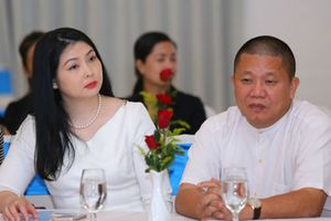 Vợ đại gia Lê Phước Vũ bán tháo cổ phiếu HSG vì 'rớt giá'?