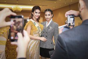 Hoa hậu Trái đất 2015 Angelia Gabrena Paglicawan Ong đọ dáng cùng Á hậu Trương Thị May