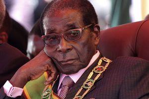 Cựu Tổng thống Zimbabwe bị điều triệu tập vì nghi án 15 tỷ USD kim cương thất thoát