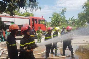 Nam Định: 'Bà hỏa' thiêu rụi kho bông rộng 1.000m2