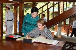 Phu nhân của Toàn quyền Australia thăm nơi làm việc của Bác Hồ