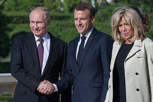 Tổng thống Pháp thăm Nga giữa lúc căng thẳng leo thang với Moscow