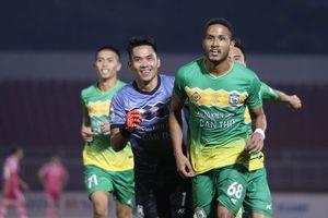 Wander Luiz lập cú đúp giúp XSKT Cần Thơ vượt qua Sài Gòn FC