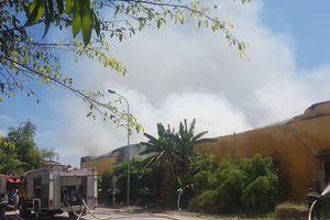 Hỏa hoạn thiêu rụi kho chứa bông rộng gần ngàn mét vuông tại Nam Định