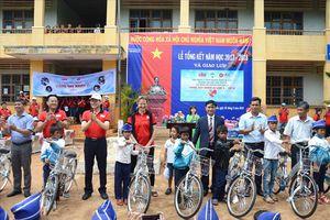 Hoàng Anh Gia Lai làm từ thiện trước trận gặp Sông Lam Nghệ An